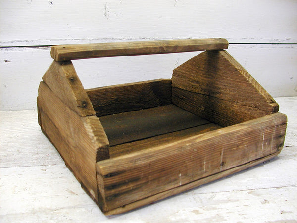 Primitive Wooden Tote Toolbox Box Unique Table Centerpiece Upson Nut Division - idugitup