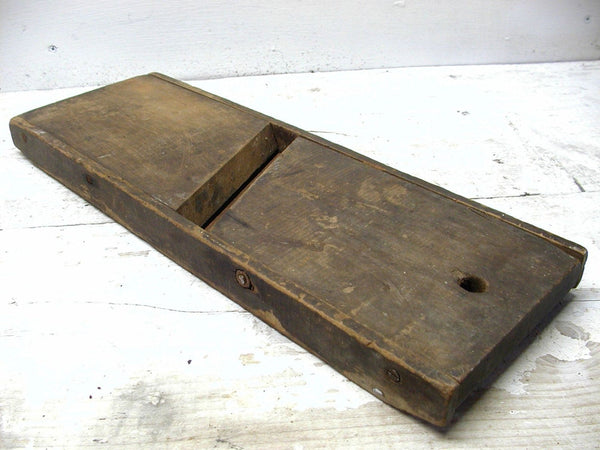 Vintage Slaw Board - Primitive Cabbage Cutter - Cabin Decor - idugitup