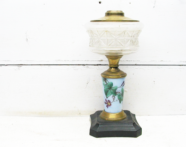 Antique Oil Lamp - Asian Inspired - Kerosene Lamp - Victorian Lamp - idugitup