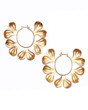 Load image into Gallery viewer, Gold Leaf Petal Earrings
