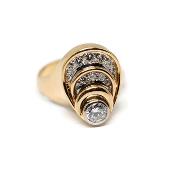 Tiered Oval Vintage Style Diamond Ring in 18k Yellow Gold