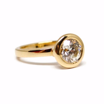 18k Yellow Gold Bezel Set Diamond Ring