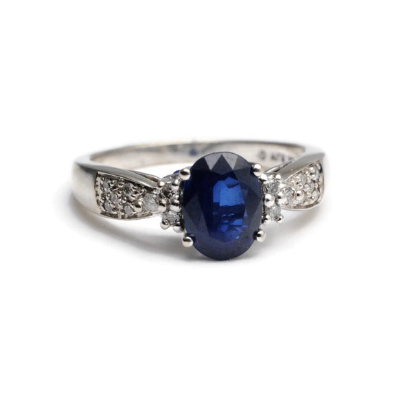 Blue Oval Sapphire Engagement Ring with Diamonds