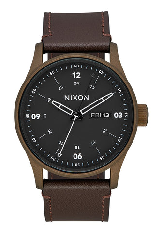 NIXON WATCHES SENTRY LEATHER A105