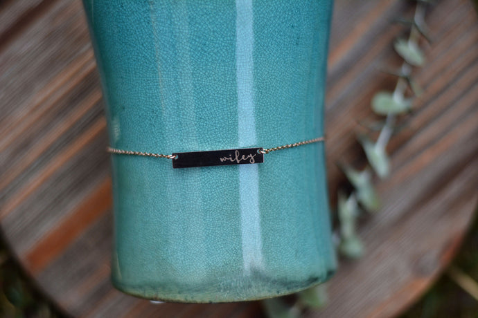 Wifey/Mama horizontal bar necklace