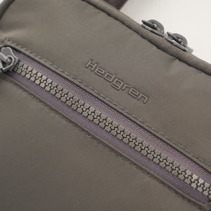 Trek Travel Vertical Crossover Bag|Inter City Collection|Hedgren