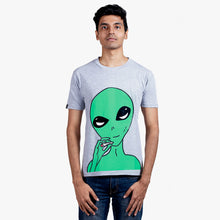 Load image into Gallery viewer, Smoking Alien Grey T-Shirt Male Model
