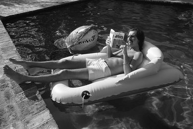 Alice Cooper reading Jaws