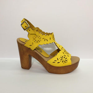 66 Zapatilla Laser - Color Amarillo