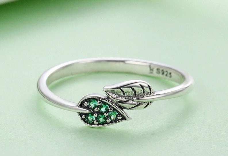 Dancing Leaves Leaf Green Dazzling CZ Finger Ring