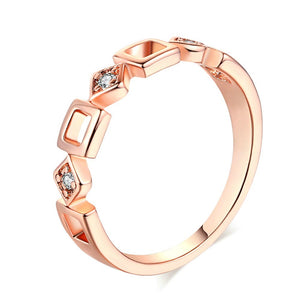 Geometric Concise Crystal Ring