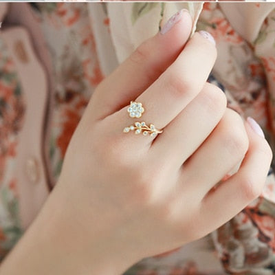 Plated Wishful Flower Leaves and Branches Finger Ring
