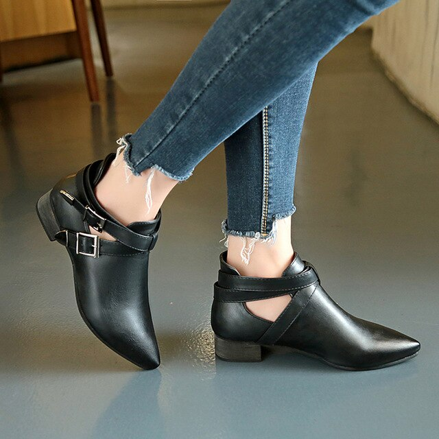 Casual Buckle-Strap Pointed Toe Flat Leather Bare Martin Boots