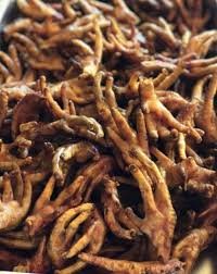 These chicken feet are restaurant quality with the toe nails still on so you can clean between you teeth!