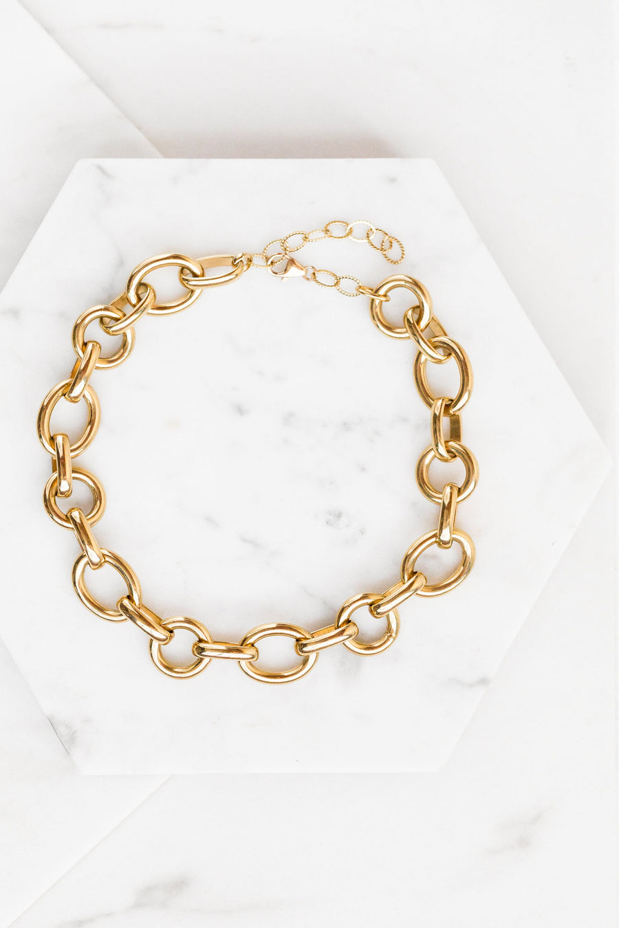 Find the perfect necklace you're looking for from Charme Silkiner! This beautiful 24K Gold Overlay Chain Necklace is simply perfect. Great for layering or wearing alone the Mirage Necklace is the perfect piece of unique jewelry that everyone should own.