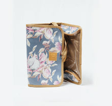 Load image into Gallery viewer, Hanging Toiletry Bag