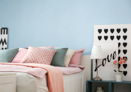 modern teen bedroom painted in Harris Paints' colors that reflect a