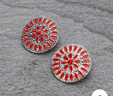 Load image into Gallery viewer, Red  cluster earrings