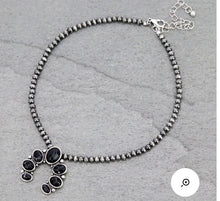 Load image into Gallery viewer, Black and silver squash choker necklace