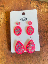 Load image into Gallery viewer, Pink bling earrings