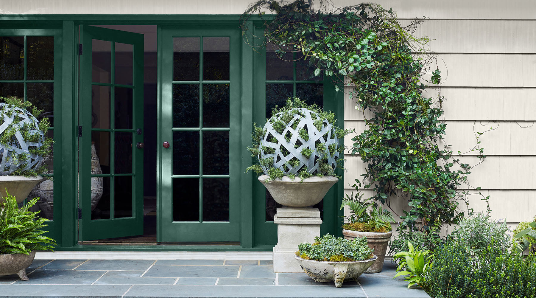 Hunter Green 2041-10 Exterior doors in Benjamin Moore's Aura Grand Entrance Satin Finish