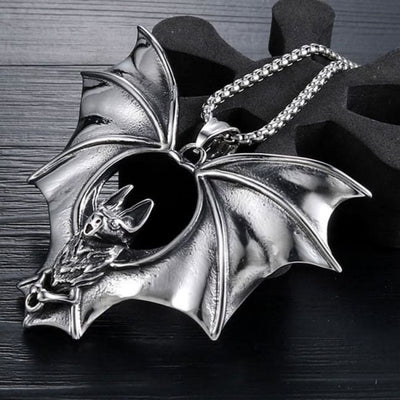 DRACULA NECKLACE-Rebellious Creatures