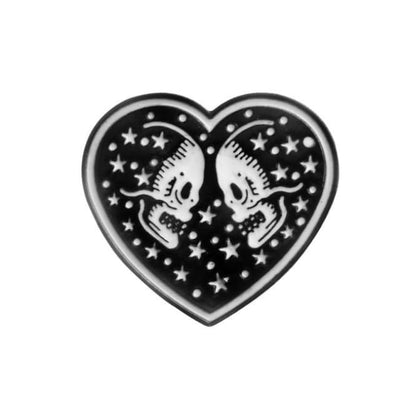 Gothic Brooch Pins - Heart Skull
