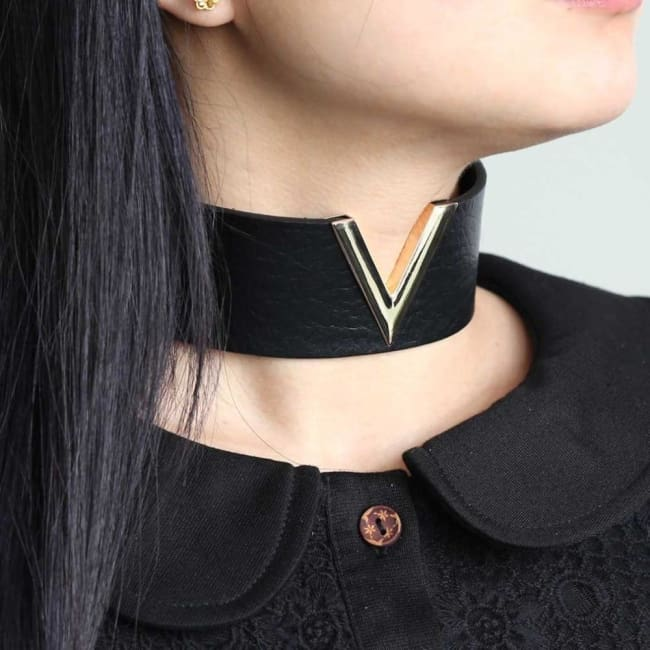GOTHIC PUNK V CHOKER-Rebellious Creatures