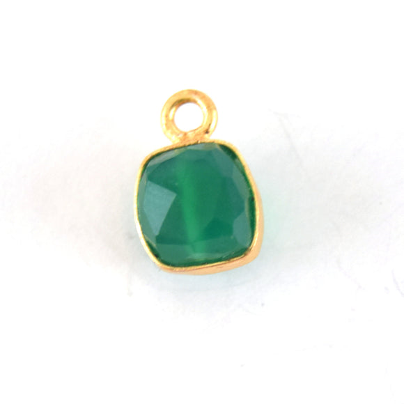 7-8mm Gold Finish Faceted Green Onyx Cube/Square Shaped Plated Copper Bezel Pendant