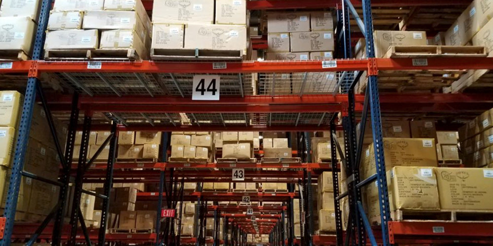 Very Narrow Aisle (VNA) vs. Double Deep Pallet Rack: Advantages and Disadvantages of Both