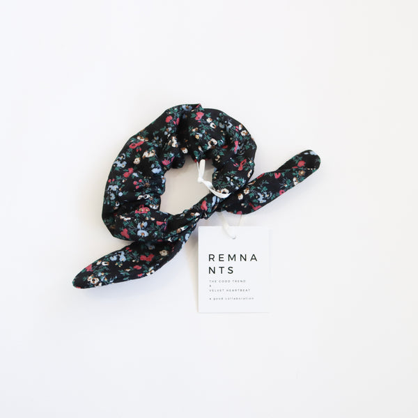 Bow Scrunchie - Paisley