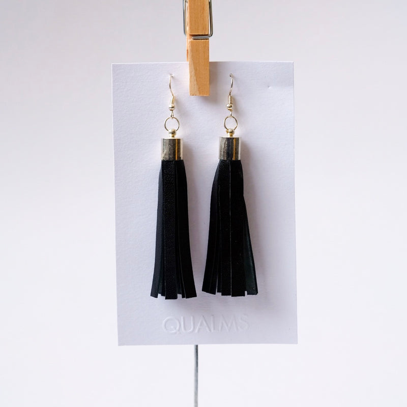 Leather strip earrings - Qualms