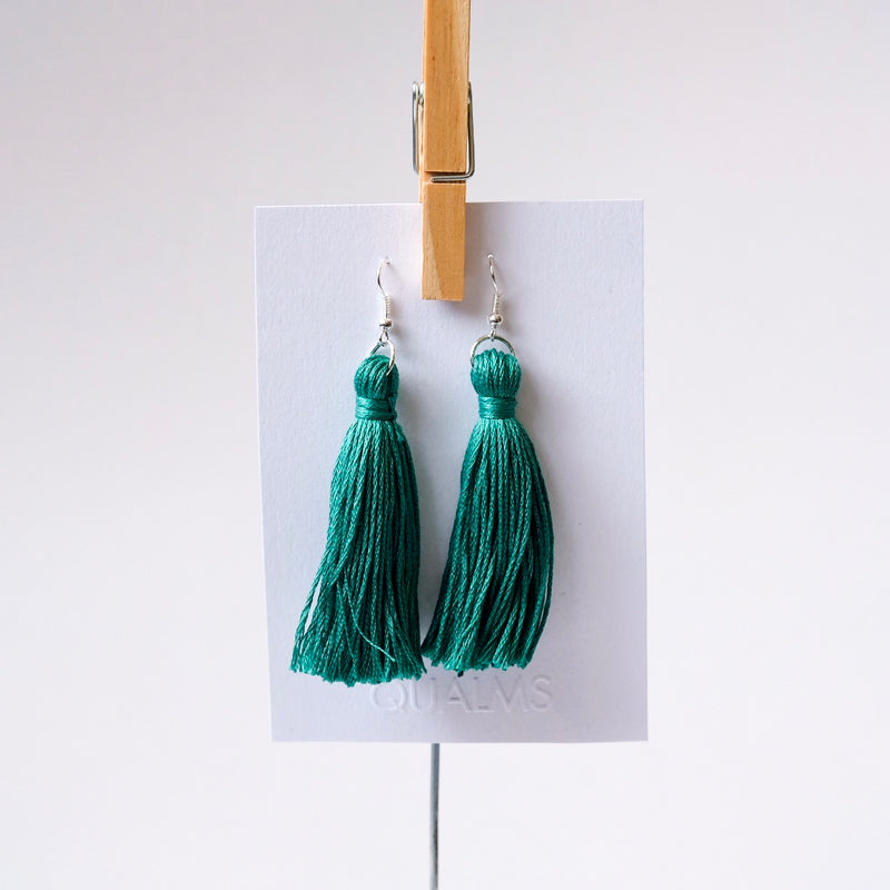Green tassles earrings - Qualms