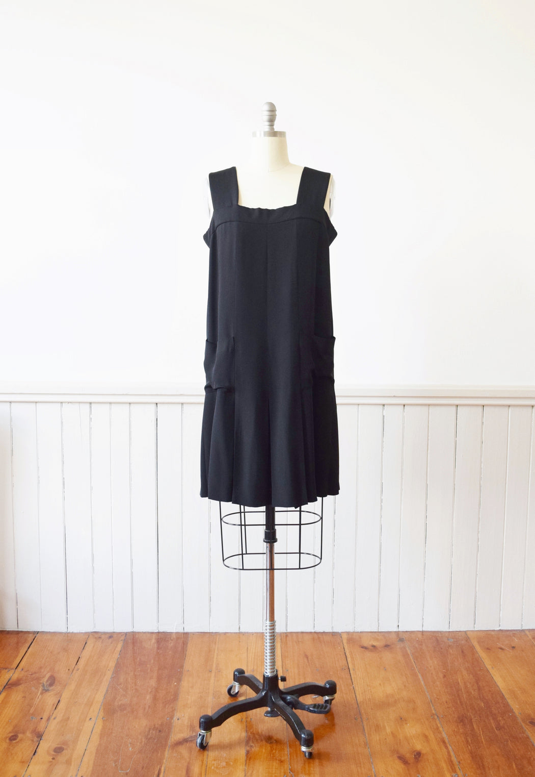 CHANEL Black Silk Dress | 1980s Vintage | Flapper-Style | M