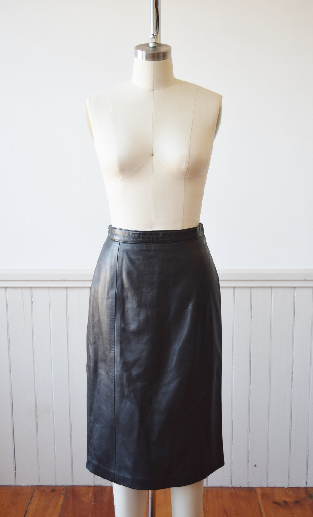 Essential Black Leather Skirt | 1990s | S