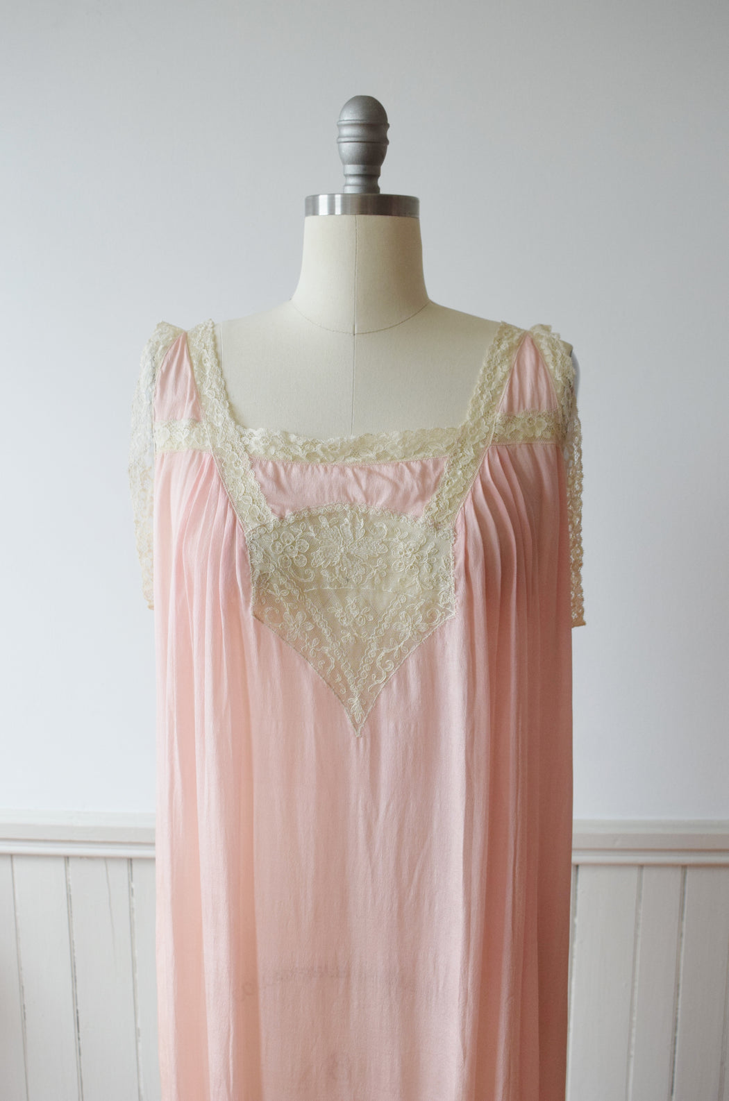 1920s Silk and Lace Nightie | L