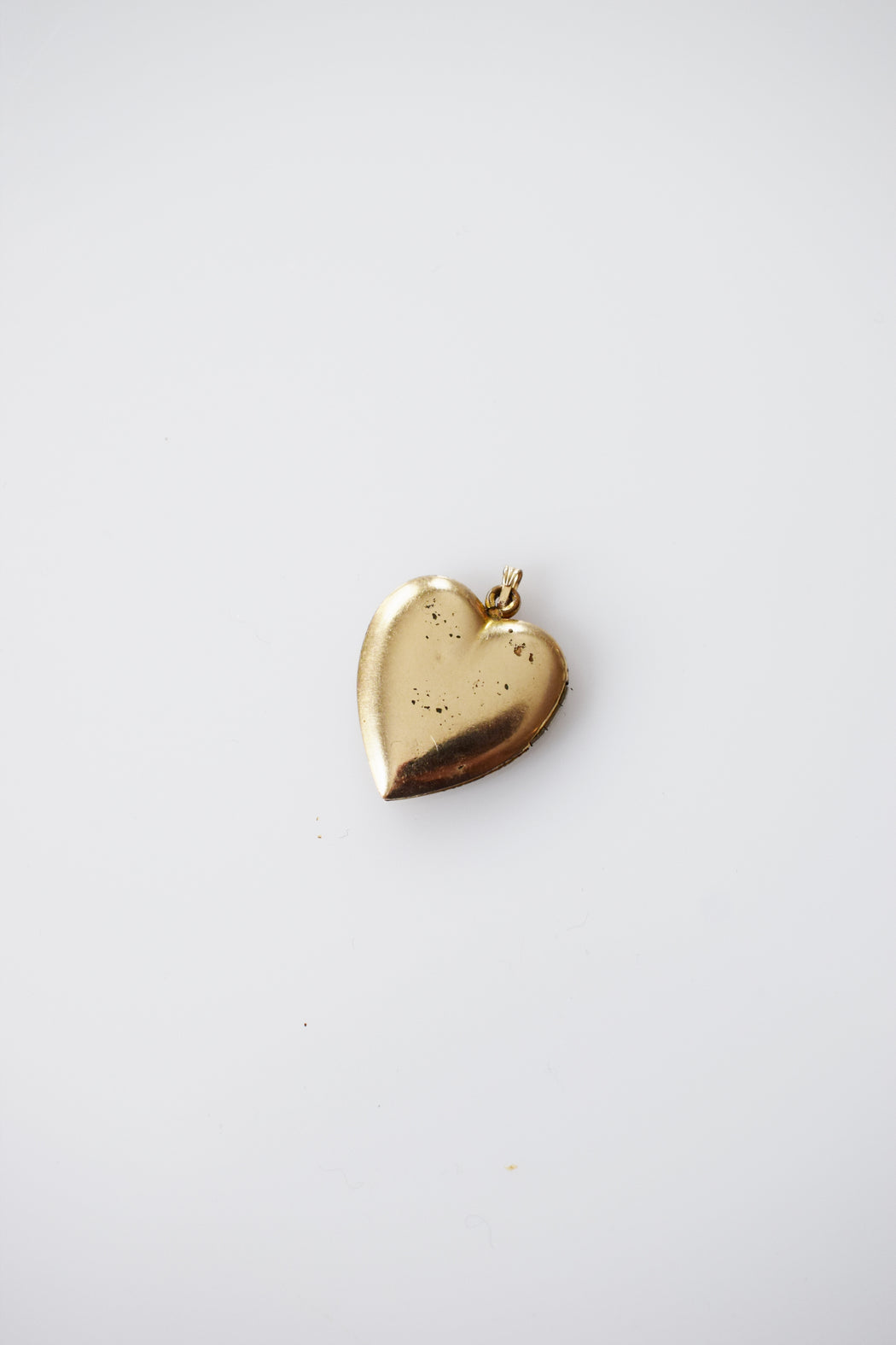 1940s Gold Heart Shaped Locket | Forget-Me-Not