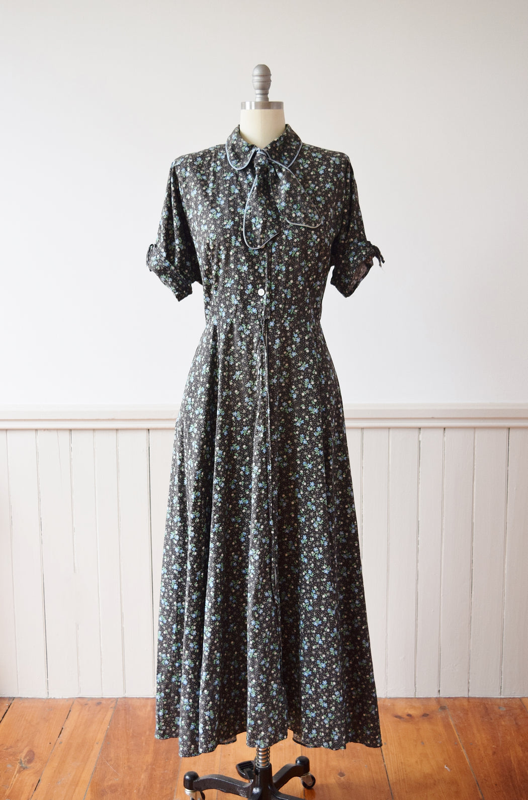 Early 1950s Zip Front Cotton Dress by Kamore | M