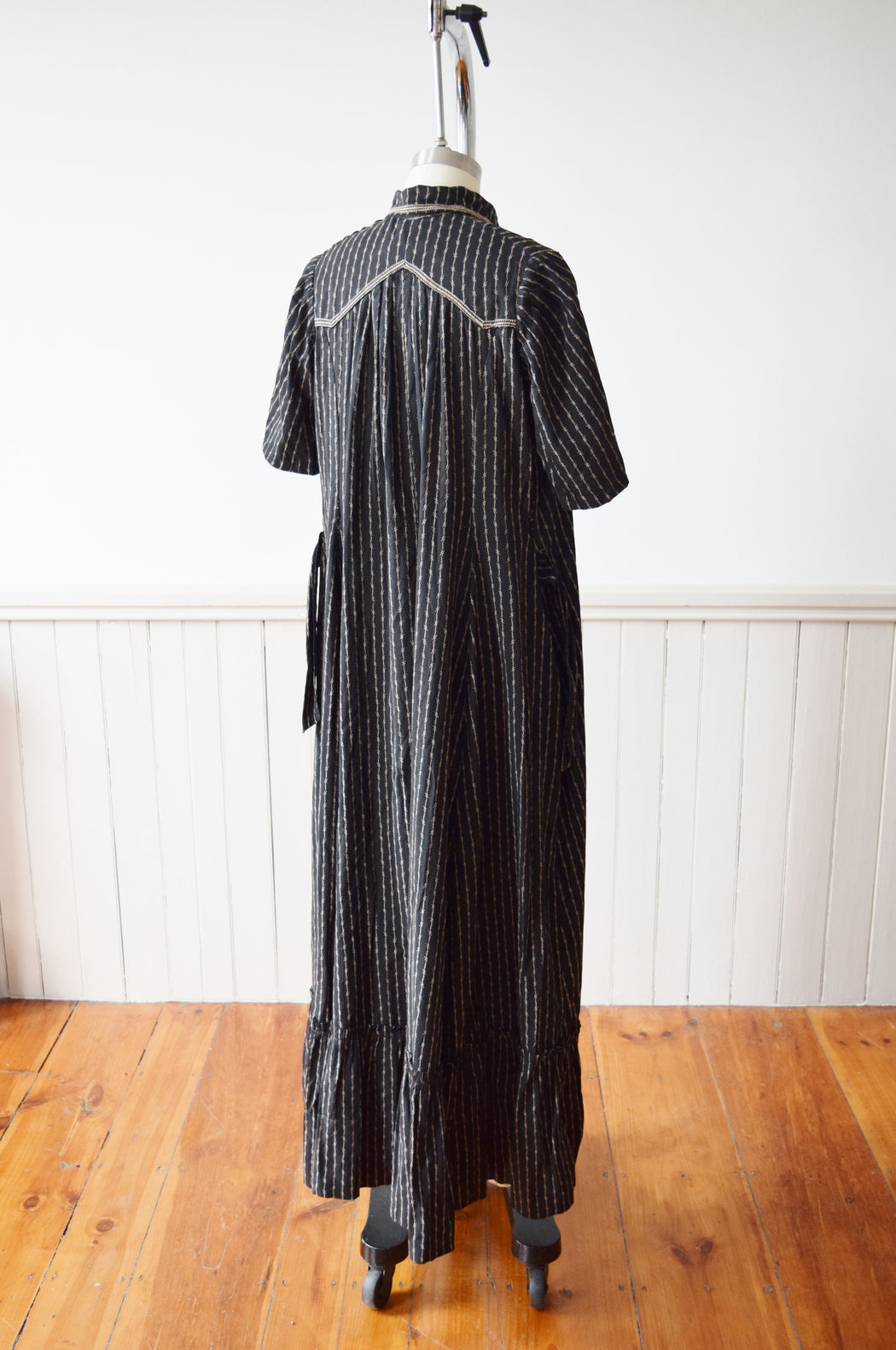 Antique Victorian Calico Wrapper Dress | S-S/M