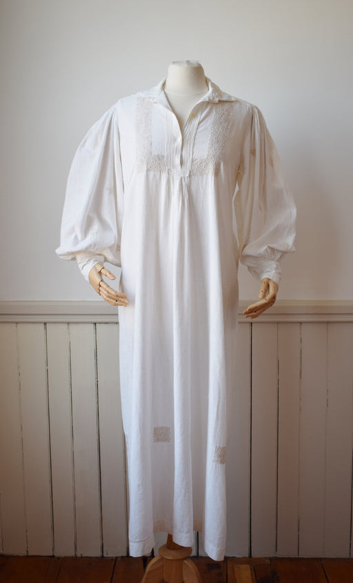 Vintage Embroidered Cotton Dress with Peasant Sleeves | M-L