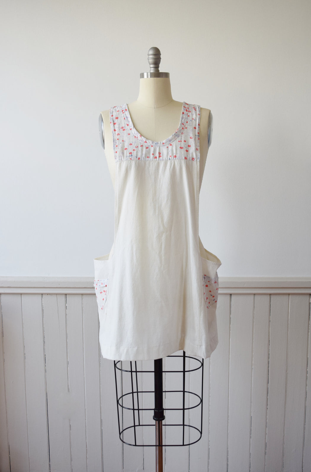1920s Smock | Apron with Novelty Print Accents