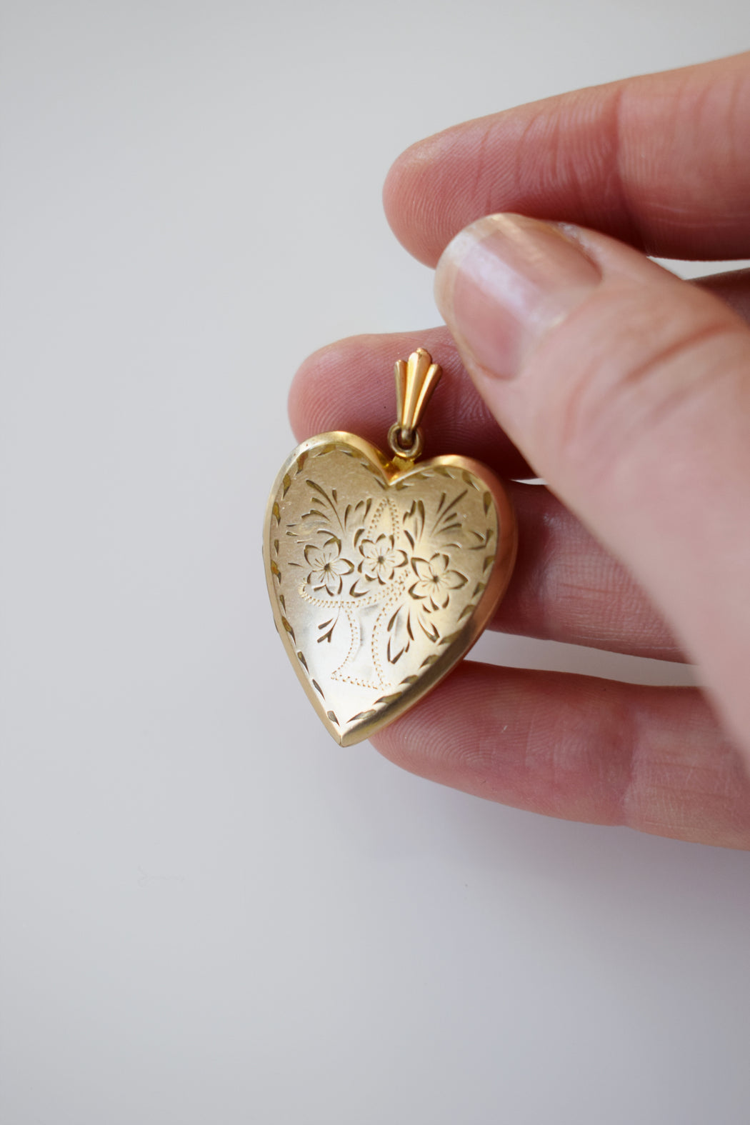 Vintage 12kt Gold Fill Heart Shaped Locket | Basket of Flowers