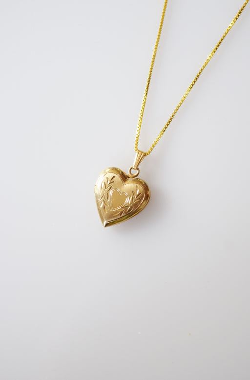 Petite Vintage Heart Shaped Locket | Heart Center