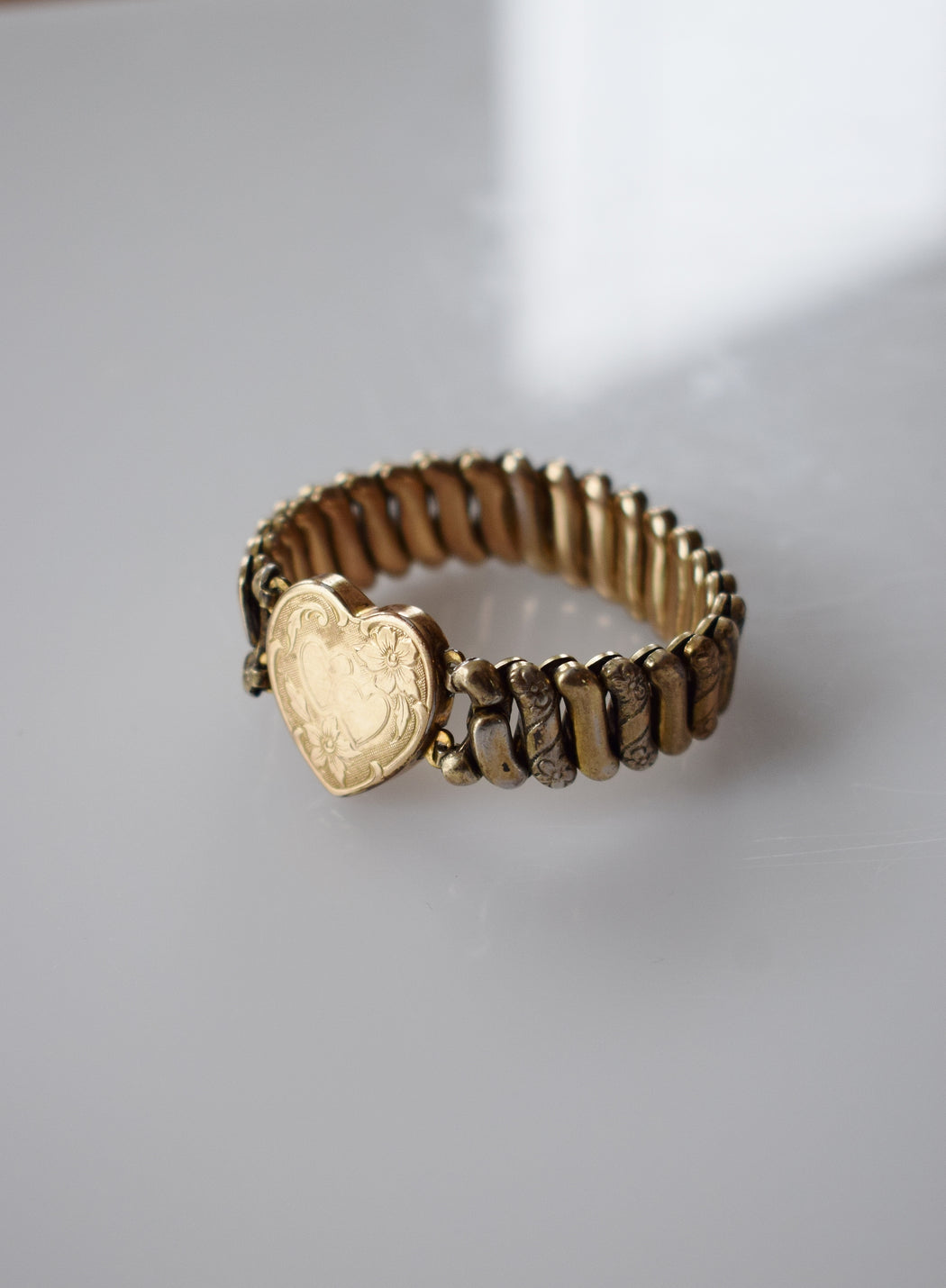 1940s Expandable Gold Sweetheart Bracelet | Double Heart