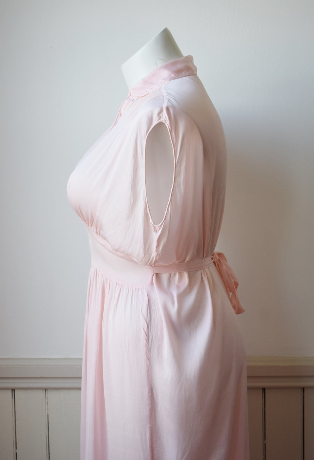 1940s  Soft Pink Rayon Nightgown | XXL