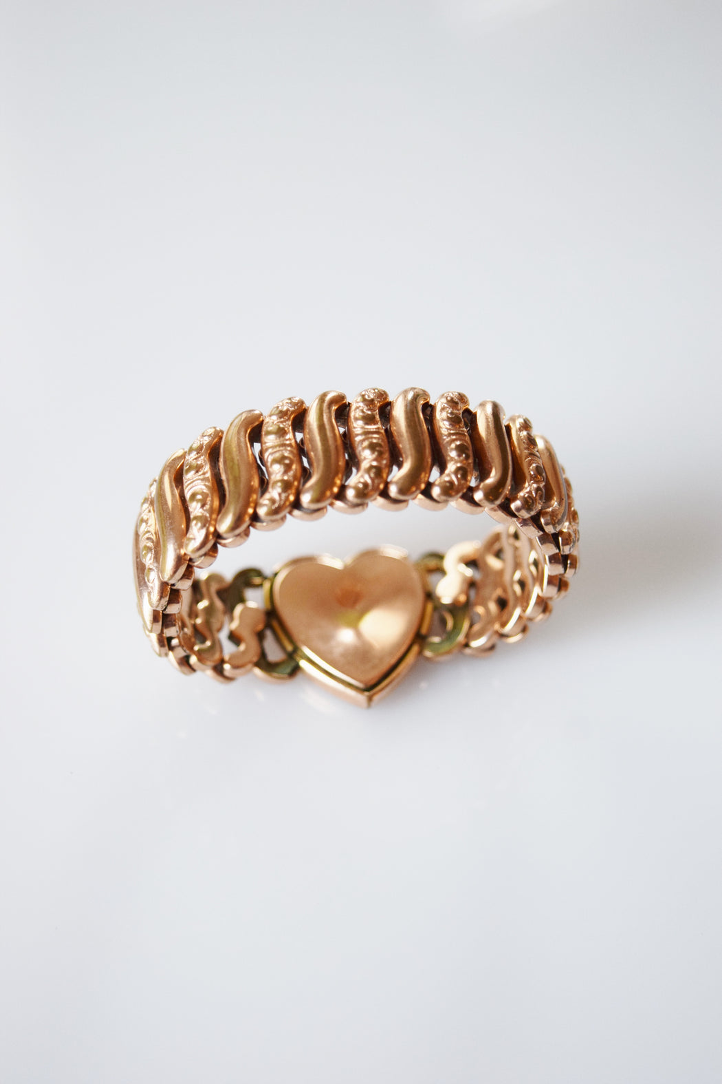 "Antique Sweetheart Expansion Bracelet with Engraved Heart Charm | ""B"""