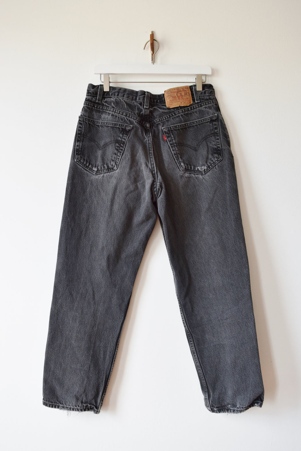 "Vintage Levi's 550s in Faded Black | 32"" W"