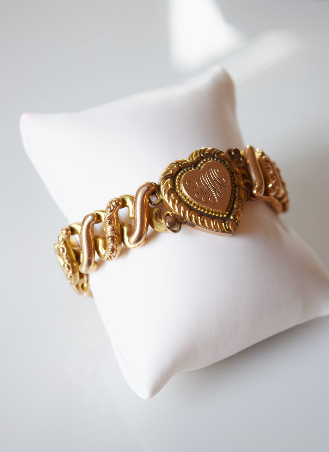 "Vintage Sweetheart Expansion Bracelet with Engraved Heart Charm | ""FMA"""