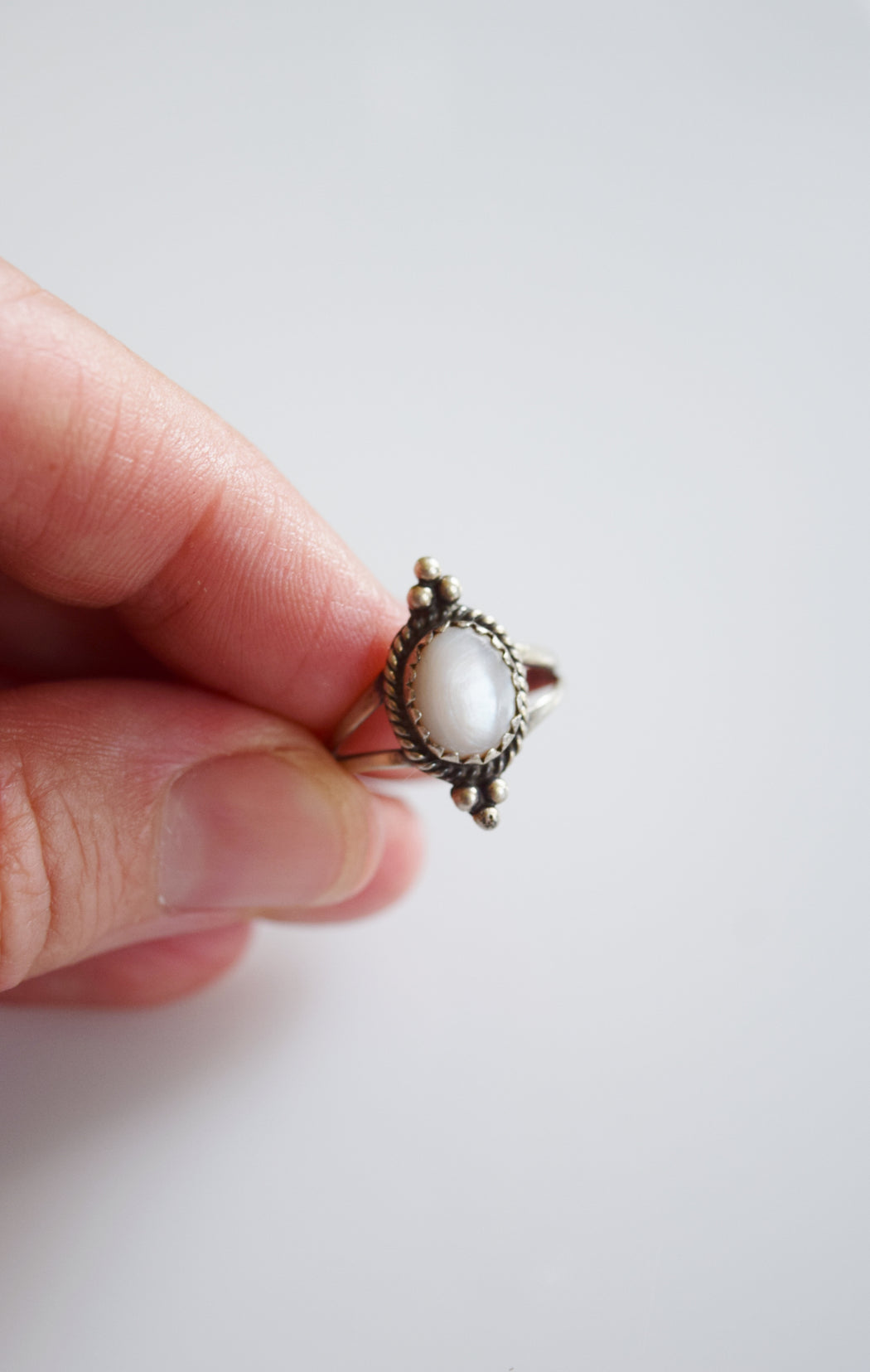 Vintage Sterling Silver + Mother of Pearl Ring