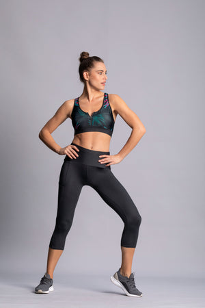 Black style - High waist capri tights with side pocket - Macaw Activewear